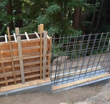 medium height retaining wall